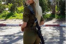Hot Israeli Army Girls (18+) / Hot and sexy Israeli female IDF soldiers in uniform and bikinis