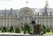 Hotel Les Invalides in Paris / A popular tourist attraction to visit while in Paris is Hotel Les Invalides, which is well known for housing the Tomb of Napoleon Bonaparte I but also three other museum can also be found there. From the outside the building is easily recognisable from its golden dome roof.