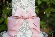 Cake & Cupcakes Decorating Ideas / by Katarina Kozlovacki