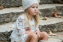 Βάπτιση κορίτσι / Βαπτιστικά Φορέματα για κοριτσάκια, ευχολόγια, κουτιά και τσάντες διακοσμημένες για την ημέρα της βάπτισης σας. Παπουτσάκια αγκαλίτσας ή περπατήματος, όμορμα μπολερό ή παλτουδάκια για να συνοδεύσουν το φόρεμα σας.  Δείτε περισσότερα για την Βάπτιση του Κοριτσιού εδώ:  https://www.vaptisi-online.gr/vaptistika/koritsakia/