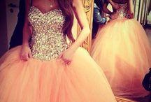 Dresses ♡ / by Gÿpšÿ