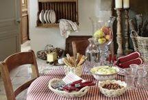 cottage , shabby , country... / Estilos de decoração com um olhar romântico, trazem para dentro de  casa charme, estampas florais, xadrez, poás, tons pastéis, rústicos e detalhes mimosos!!