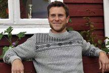 Carin Werstam / Stickade koftor,tröjor,caper,ponchos, halsdukar,mössor, muddar och kuddar i mjuka och sköna naturmaterial. http://www.carinwerstam.se/