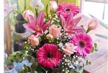 Para Mamá / Ramos de flores y jarrones perfectos para el día de la Madre