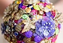 Flowers - button and brooch bouquets / by English Wedding Blog