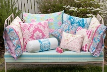 Cushions 'n' Pillows / by Amy Johnstone