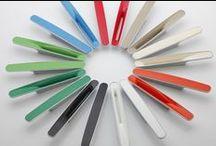 Kolekcja Cameleon / Nowoczesna kolekcja uchwytów wyróżniająca się ciekawym designem i łatwością dopasowania do każdego wnętrza. Kolekcja nagrodzona została w prestiżowym konkursie Diament Meblarstwa, zdobywając w 2013 roku główną nagrodę.