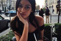 inspo • instagram / trochę bezbarwnych fotografii, pustki emocjonalnej i sztucznych ludzi