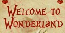 Alice in Wonderland Party / Alice in Wonderland Party ideas, tableware, balloons, bunting