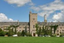 UofG Campus / Our open, friendly campus is characterized by green lawns and a blend of modern and traditional architecture.