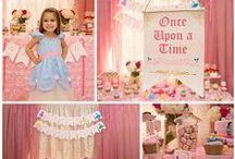 Disney Princess Birthday / Disney princess party ideas www.stylingthemoment.com