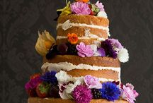 Edible flowers / Everyone loves real flowers on cakes and other delicious bakes and these are actually edible!