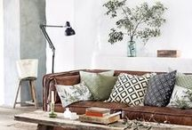 Living Room Design Ideas / Stylish Living Room  Design Ideas, make your house match your personality.  ideas and inspiration for redesign your home and  mid century style or vintage style