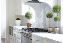 INTERIORS | Kitchen / Ideas for decorating the kitchen.
