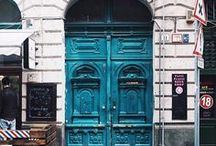 HOME | Doors and Facades / Beautiful doors and house facades.