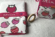 Collection Chouette rose / Accessoires bébés et enfants. Qualité et originalité au service des plus petits !  Https://www.petitmerlin.com La page Facebook : http://www.facebook.com/Boutique.petitmerlin