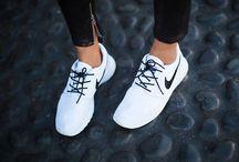 Klær og sko.
