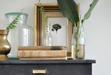 VIGNETTE / Gorgeous styling #vignettes #display #arrangements #interiors #interiordesign #styling #thedesignhunter
