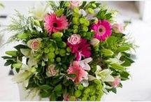 Ανθοδέσμες / Φρέσκα μπουκέτα απο μεγάλη ποικιλία λουλουδιών, σε μοντέρνα ή κλασσικά σχήματα και σε χρώματα που εσείς επιθυμείτε για όλες τις περιστάσεις.