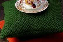 The Colour Red / From beautiful pillar box shades of red to deep burgundy hues red is a striking colour to use in design. Take a look at the way the colour red inspires beautiful fine bone china tableware from Royal Crown Derby.