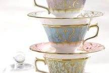 The Colour Purple / From soft tonal hues of lilac to beautiful jewel shades of amethyst, purple is a wonderful colour to use in design. Take a look at the way the colour purple inspires beautiful fine bone china tableware from Royal Crown Derby.