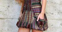 Abiti Estivi Etnici / Fatti conquistare dalle nuove proposte LaMamita per rinnovare il tuo look di primavera all'insegna del colore!  Alcuni esempi? L'elegante vestito New Suna, i pantaloni Dory, a cavallo basso, di gran moda e, la canotta Teresa, in fresco cotone.  Lasciati tentare dalle nostre proposte per la moda primavera estate!  #LaMamita #ModaEtnica #ModaItaliana