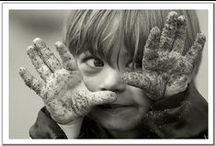 Messy Hands / If kids have messy hands, it's usually a sign that they are having fun! Here are some of our favourite photos celebrating mess!
