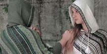 Ponchos / Ponchos in lana d'alpaca fatti a mano in Peru su modelli della stilista Italiana della ditta di abbigliamento LaMamita