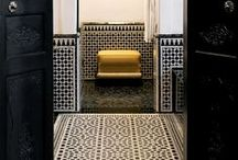 Zelliges Heritage / Traditional hand made tiles of Morocco : made to measure !