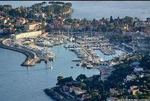 Le Village  / Au détour du port, découvrez le village de St Jean Cap Ferrat véritable havre de paix.