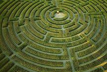 Labyrintti | Maze / Labyrinttejä ja sokkeloita - ikivanhoja  sekä helposti toteutettavia.
