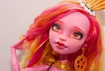 Dolls / Manufactured and custom dolls including but not limited to Monster High, Pullip, Blythe, etc.
