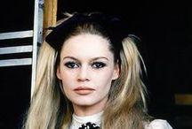 Brigitte Bardot / Brigitte Bardot, Bellissima Icona col 'Broncio'