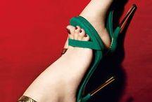 Para tus pies... / Moda para tus pies, tacones de aguja, plataformas, botas, botines...