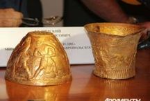 Scythian Gold (Stavropol region)  - Scythians -Iranian people / Scythian gold (III century BC) discovered by archaeologists in the Stavropol region 14.08.2013. Hryvnia, bracelets and ring were made by the Scythians, two bowls were made by the Greeks for the Scythians (in the Greek-Persian animal style)  http://youtu.be/KAPjeq7qQgM
