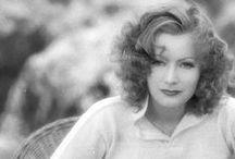 Greta Garbo / Greta Garbo, Divina creatura d'Arte, Eleganza  e Passione