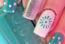 Decoración de uñas / by Yolalim