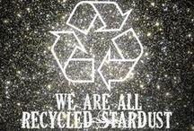 """Inspiration: space oddity / """"We are all made of recycled stars""""  Ogni atomo nel tuo corpo viene da una stella che è esplosa. E gli atomi nella tua mano sinistra vengono probabilmente da una stella differente da quella corrispondente alla tua mano destra. È la cosa più poetica che conosco della fisica: tu sei polvere di stelle. (Lawrence Maxwell Krauss)"""