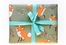 Baby / Baby / babykamer thema: bos / bosdieren (de vos, egel, konijn, hert, vogels...). Basiskleuren: Wit, mint, pastelgroen (gebaseerd op muurverf vd Gamma 'Reislustig' en 'Goedemorgen'). Na geboorte accenten meer in blauw/turquoise of juist in roze.