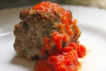Meatballs, The Ultimate Comfort Food / Meatballs featured in the #sundaySupper event