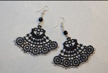 Lace earrings / Earrings made of lace and pearls.