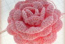 GANCHILLO FLOWERS AND LEAVES / Crochet flowers and leaves / by SHARITA