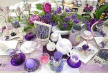 Lawendowe popołudnie / Zachowane w lawendowej kolorystyce stylizacje stołów. Doskonałe na urocze popołudnie przy herbacie oraz spotkania w rodzinnym gronie.