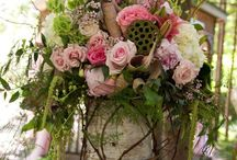 Flowers to dream of / How beautiful is it to see stunning flowers at an event ... Lots of greenery and soft roses, flowers of all types ,colours and smells flowers are the crowning glory to all settings.
