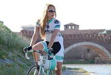 Chicas de ciclismo de ruta / Exclusivo para las féminas que les gusta la ruta y triatlón