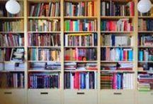 """Czytelniku - daj się poznać! / Z okazji Światowego Dnia Książki i Praw Autorskich postanowiliśmy zorganizować konkurs na najciekawszą domową bibliotekę czytelników wydawnictwa słowo/obraz terytoria.  Z dumą przedstawiamy Państwu wyjątkowe zdjęcia zgromadzone w trakcie akcji: """"Czytelniku - daj się poznać!""""."""