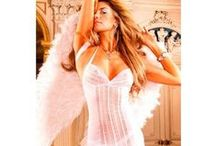 Babydolls / Feeling sexy is what makes a women sensual. Here you find the most sexy babydolls.  We supply all over Europe and to the USA.