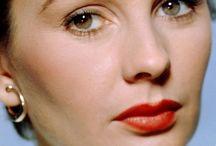 """JEAN SIMMONS"" / Born: 31 January 1929 Died: 22 January 2010 80 yrs/ Lung Cancer  #1..m.1950/div.1960 Stewart Granger (1913-1993) 1ch...  A..Tracey (b.1956);  ==================  #2..m.1960/div.1980 Richard Brooks (1912-1992) 1ch...  A..Kate (b.1961);"