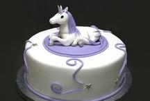 Everybody LOVES Cake