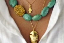Jóias, Jewels, Bijoux / Ouro, prata, cobre, metal, pedras, semi preciosas, / by Sibele Meneghel
